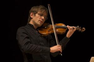 adrian-pinzaru-violino